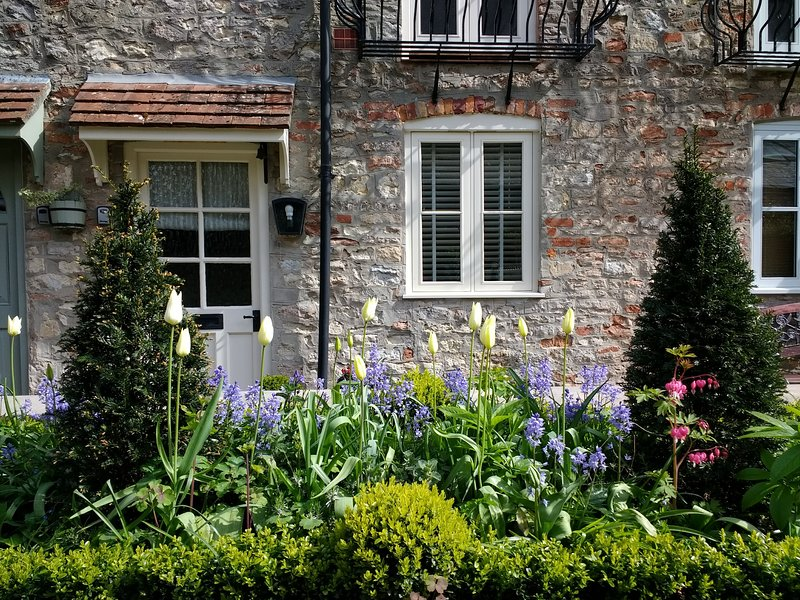 Excellent St Etheldredas Cottage Wells Somerset Has Internet Access Interior Design Ideas Greaswefileorg