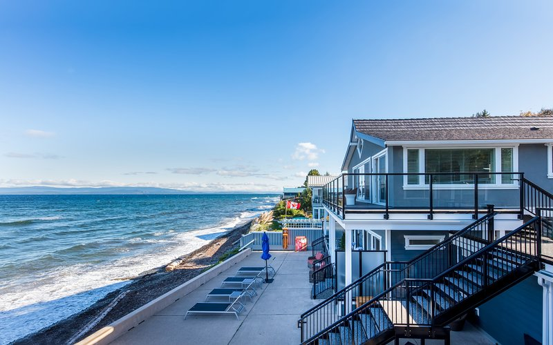 Waterfront living and modern comforts