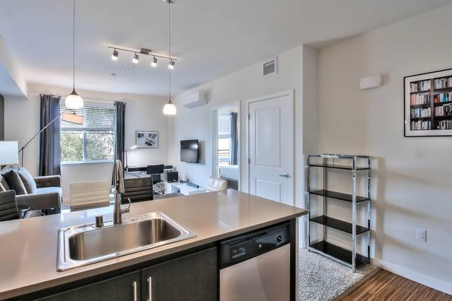 Welcome Home! 2BR Urban Flat in Prime San Mateo Location!