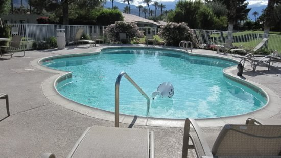 WH179 - Winterhaven Tennis Community - 2 BDRM, 2 BA, vacation rental in Palm Desert