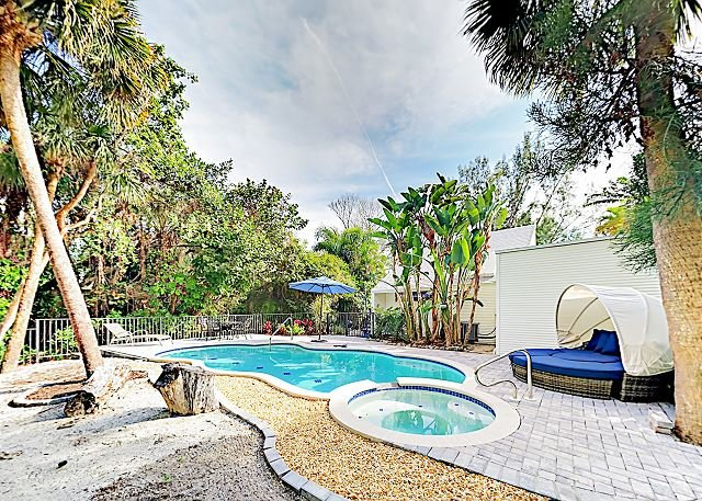 Sanibel Island Home w/ Private Pool & Spa - Walk to Shops & Dining, vacation rental in Sanibel Island