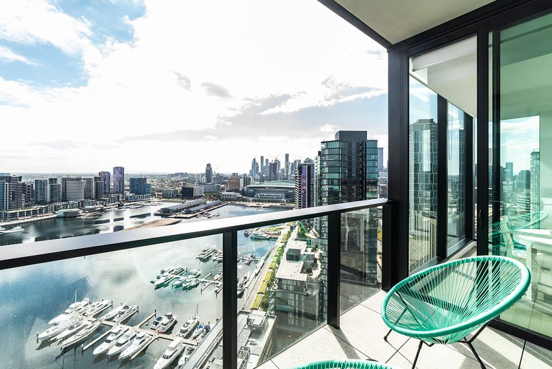 Sky High 2 Bedroom / 2 Bath Apartments - Collins Wharf Waterfront, Docklands, location de vacances à Hobsons Bay