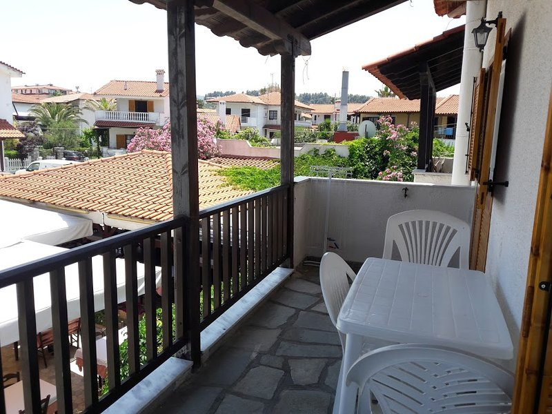 Amazing studio with terrace & Wifi, vacation rental in Pefkohori