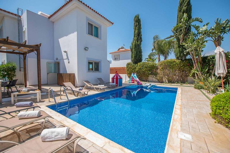 Yolanda Holiday Villa, vacation rental in Xylophagou