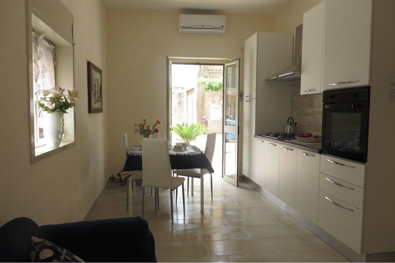 Casa Vacanze La Bouganville, vacation rental in Raffadali