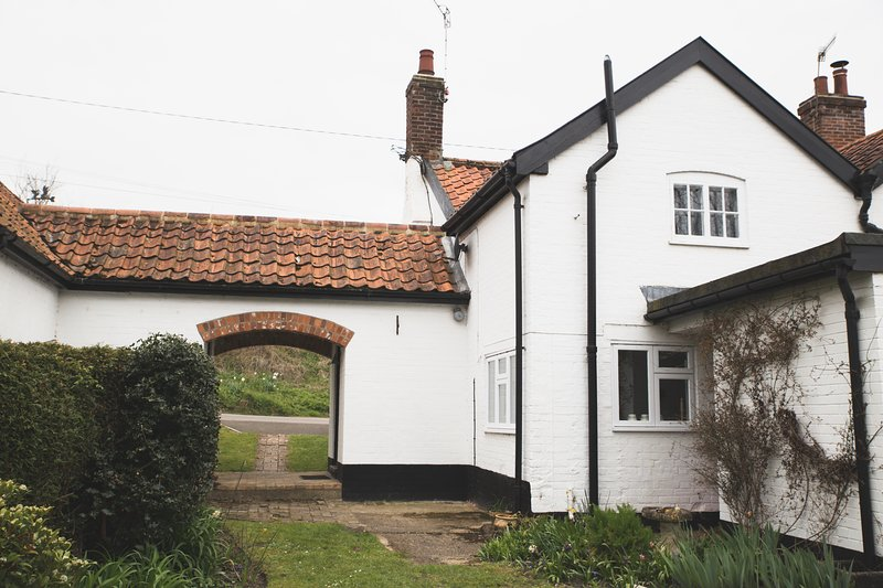 ⭐️ Pike Cottage, Beautiful River Setting Near Framlingham ⭐️, holiday rental in Brandeston