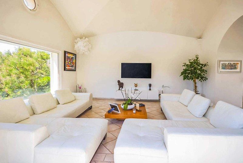 4 bed villa sandy beached 8km away – semesterbostad i Biot