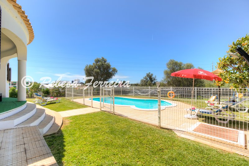 V3 Figos - 3 Bedrooms Villa with Swimming Pool, vacation rental in Cumeada