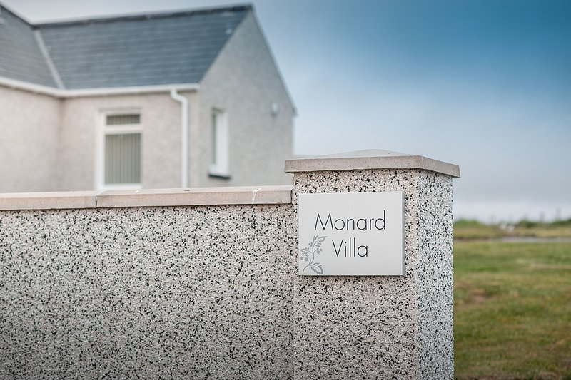 Monard Villa Barvas Isle of Lewis HS2 0QY, vacation rental in Lewis and Harris