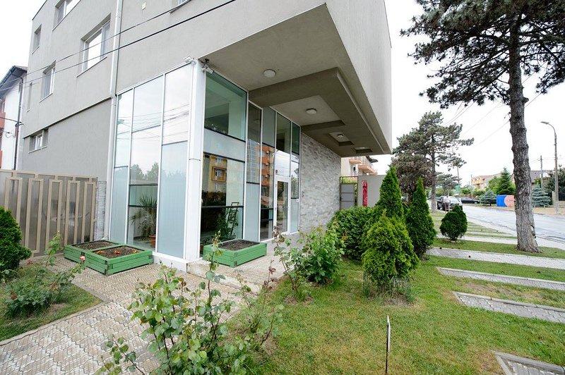 Apartamente de Vacanta 3 camere Tuya Residence, holiday rental in Eforie