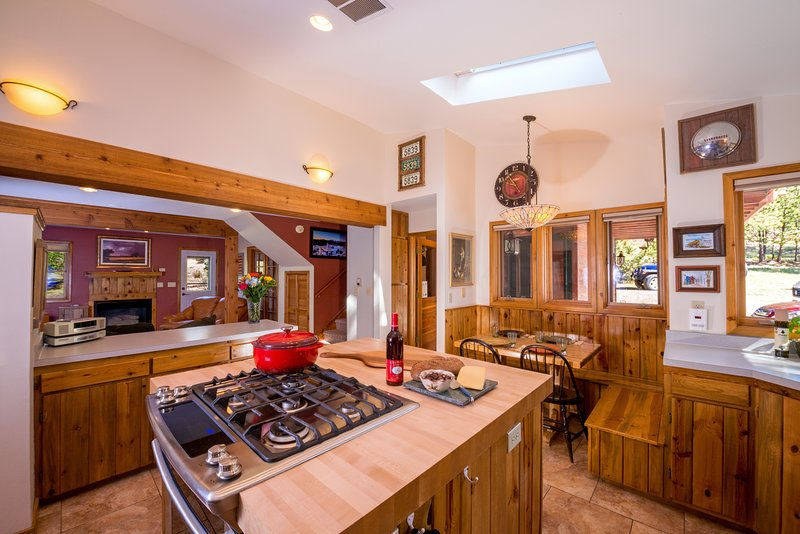 BLUE SPRUCE CORNER, L.L.C., vacation rental in Estes Park