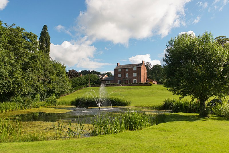 Bettws Hall Lodges, vacation rental in Kerry