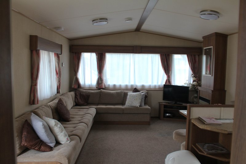 Chaffinch Way (1) 3 Bed Static Caravan at Hoburne Devon Bay, vacation rental in Paignton