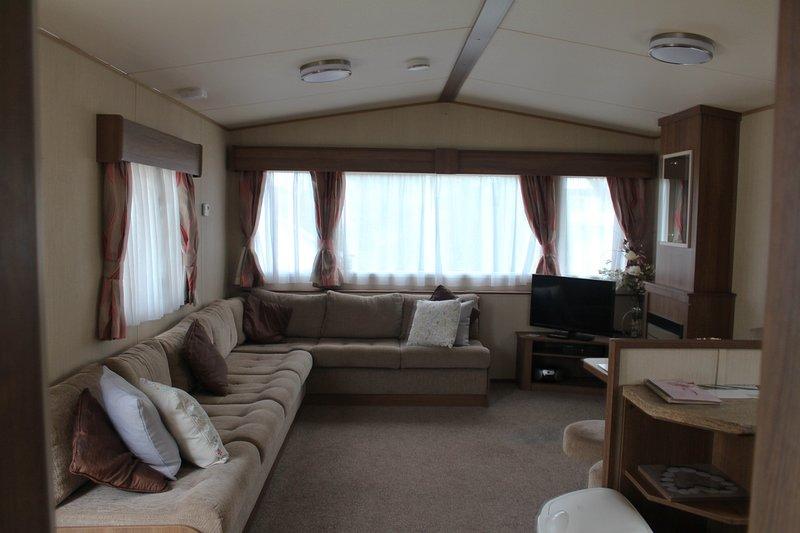 Chaffinch Way (1) 3 Bed Static Caravan at Hoburne Devon Bay, location de vacances à Paignton