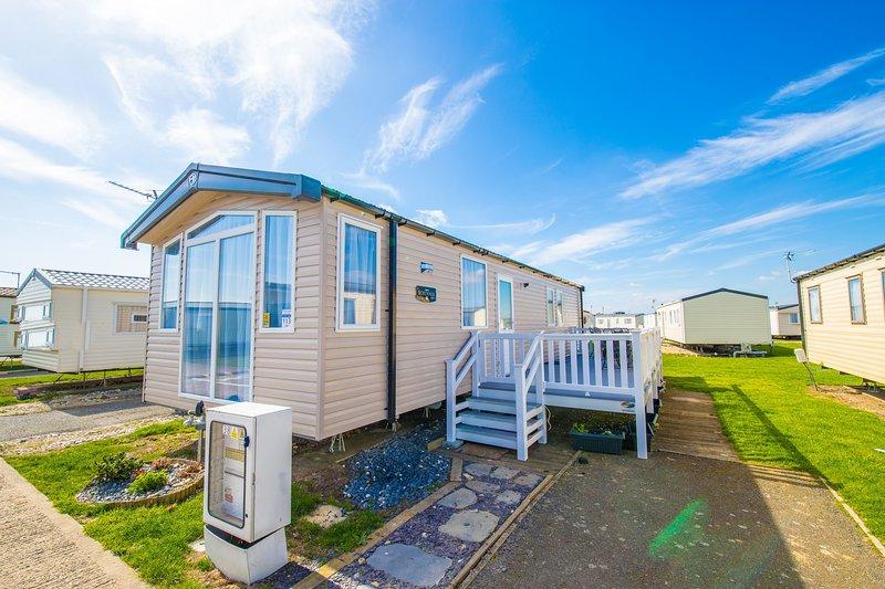 SP113 - Camber Sands Holiday Park - Sleeps 6 - Gated Deck - Private Parking, aluguéis de temporada em Lydd
