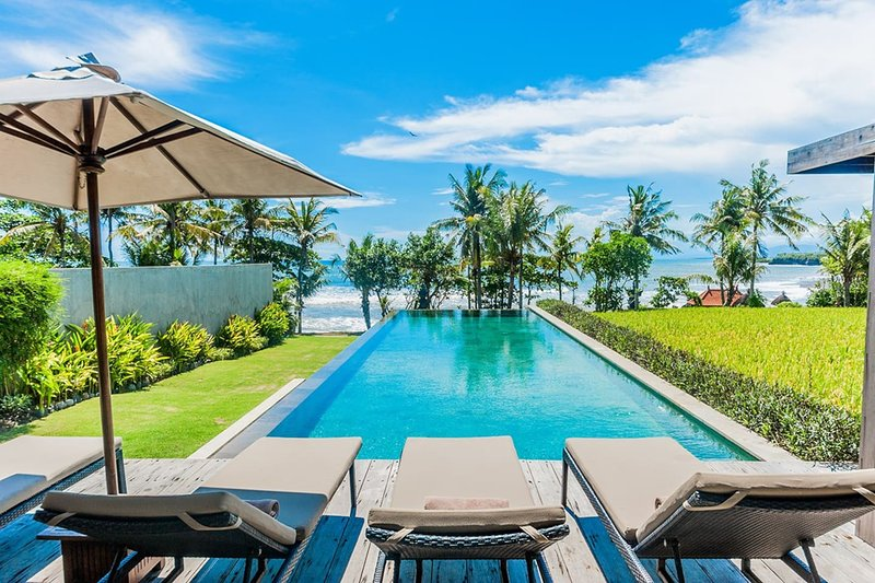 Mengening Villa - Absolute Beachfront, Free Car&Chef, holiday rental in Tanah Lot