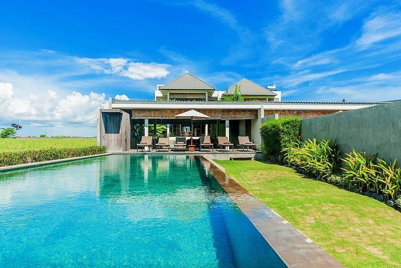 Mengening Villas - Beachfront. Private Car&Chef, vacation rental in Tanah Lot