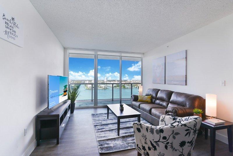 2BR Cozy Condo Sunny Isles, holiday rental in North Miami Beach