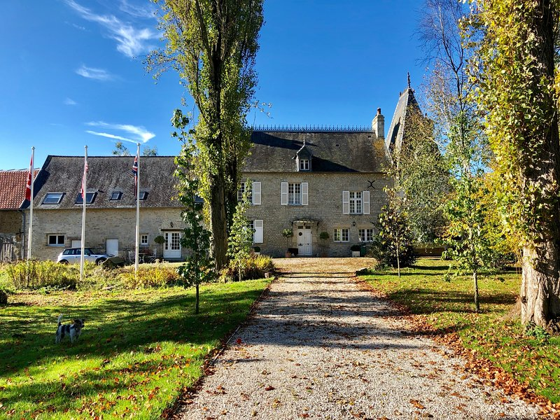 Boutique Accommodation, 18th Century Manoir, Near d-day landing beaches, holiday rental in Sainte-Mere-Eglise