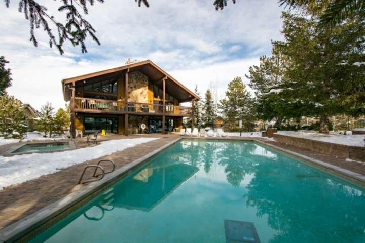 Amenidades durante todo o ano * Red Pine Clubhouse - 3 piscinas aquecidas, banheiras de hidromassagem e lavanderia com moedas