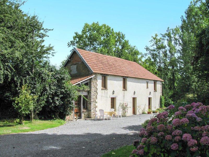 La Voisinière no.1 (SVY400), vacation rental in Notre-Dame-de-Cenilly