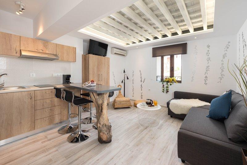 Lindos Aquamarine Luxury Suite, vacation rental in Lindos