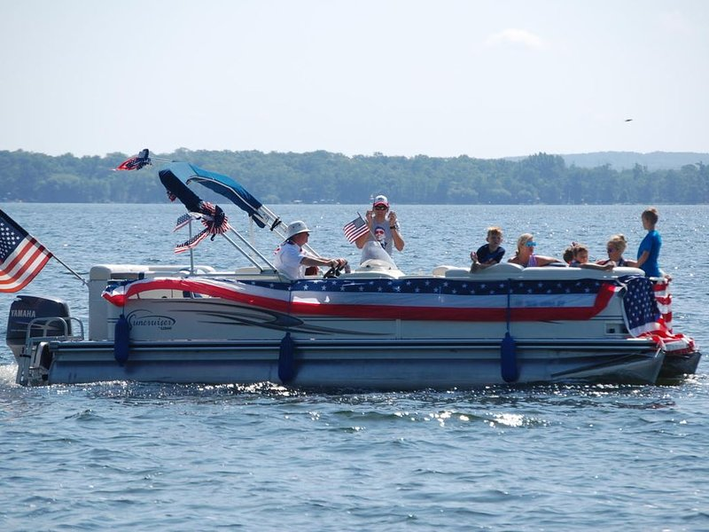 4th of July parade on the lake