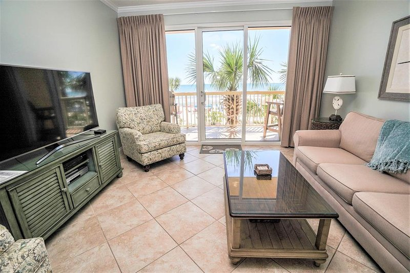 Sala de estar con hermosas vistas