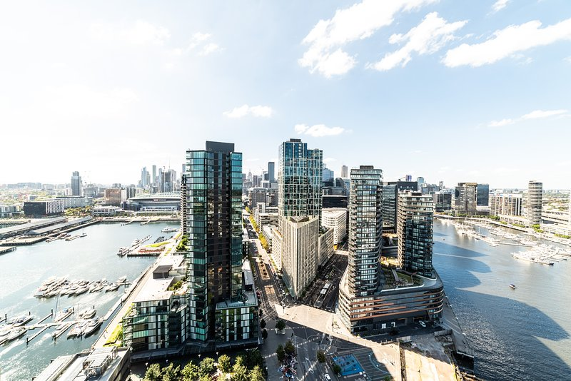 Melbourne Private Apartments - Luxury Sky High 3 Bedroom / 2 Bath Harbour Views Apartments Docklands