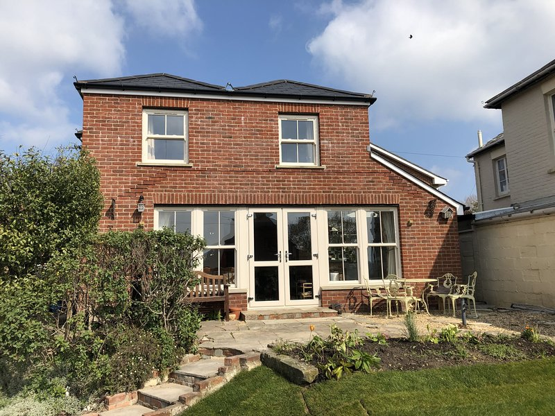 Clara Cottage, holiday rental in St Helens