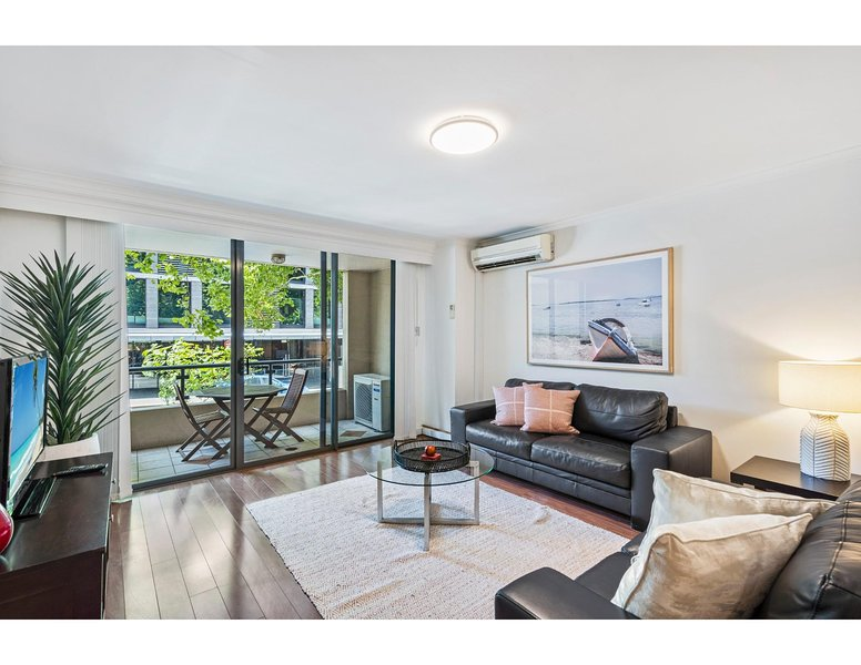 Spacious retreat walking distance from city centre, vacation rental in Balmain