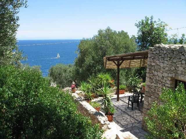 Mirto Sopra - casa in pietra sul mare, holiday rental in Marina Serra
