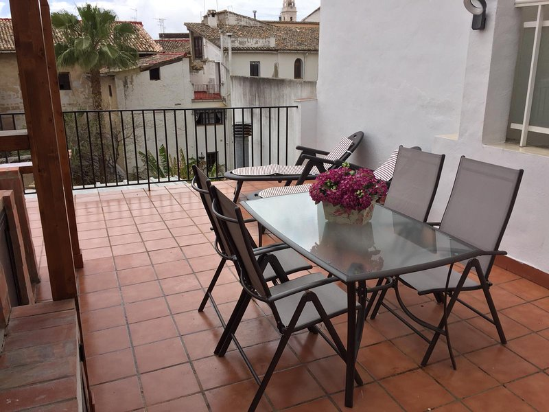 Amazing bungalow with terrace, holiday rental in Bocairente