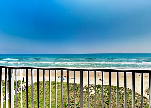 Gulf-Front Condo w/ Hot Tub, Pool & Balcony - Near Parks &  Golf, vacation rental in Port Isabel