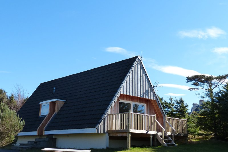 Aultbea Lodges - Lodge 1 - No Pets, vacation rental in Loggie