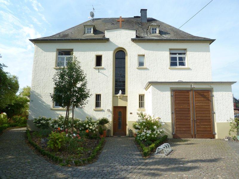 Schöne Ferienwohnungen im ehemaligen historischen Pfarrhaus, holiday rental in Trier