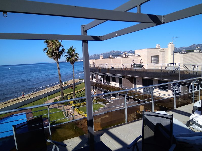 Amazing apartment with shared pool, holiday rental in Montroig