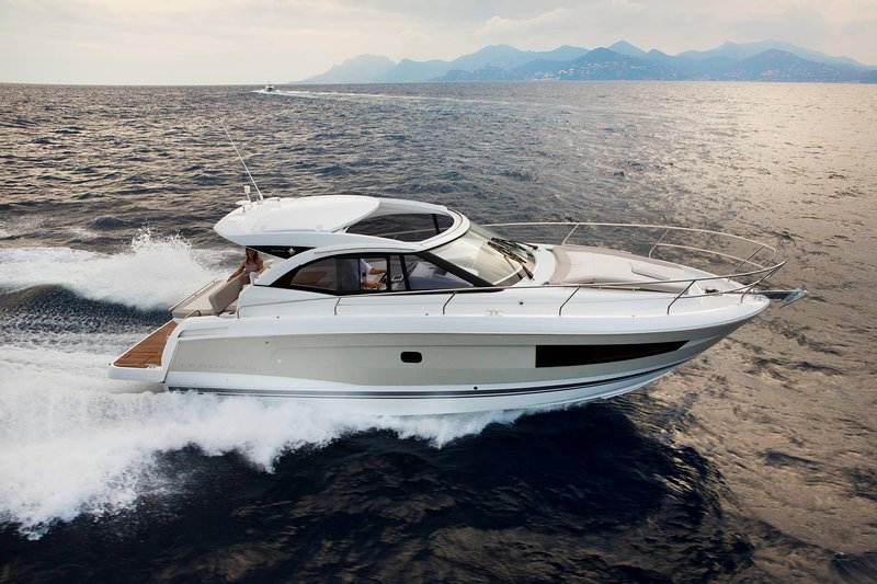 Motor yacht - Mihael (Jeanneau Leader 36), vacation rental in Kastela