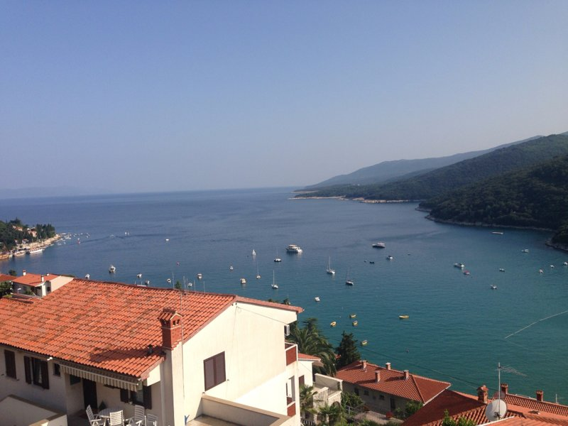 Nela Appartment Rabaca - Beautiful view, location de vacances à Rabac
