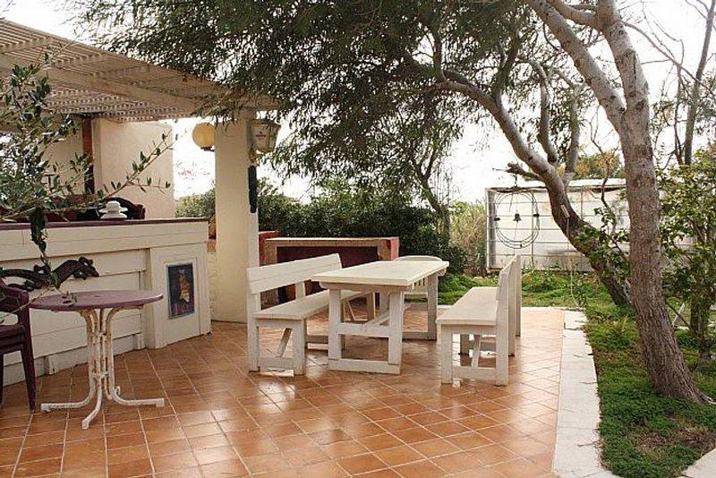 Nice house with sea view & garden, Ferienwohnung in Lampedusa
