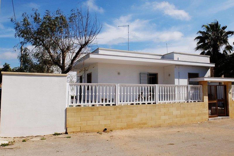 Villa Kalisi | giardino, bbq, a/c, wifi, posto auto, casa vacanza a Villaggio Boncore