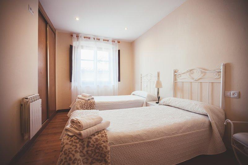 Las Ayalgas, apartamento a 300m de la playa, holiday rental in Puertas De Vidiago