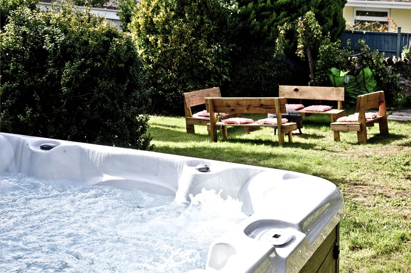 Evies Cottage - A grade II listed family cottage with outdoor hot tub, casa vacanza a Churston Ferrers