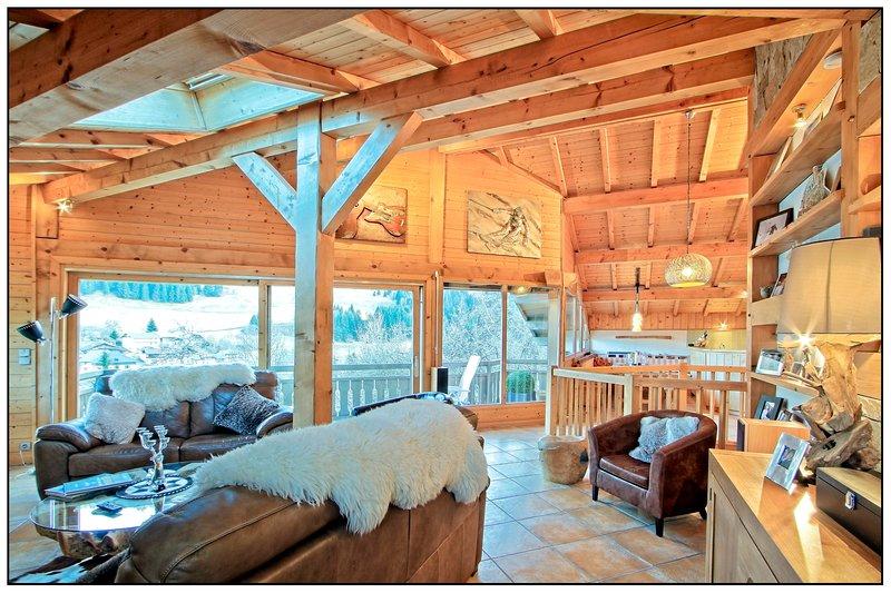 Chalet Serein,Fabulous Living,Jacuzzi/Sauna,12mins Morzine, holiday rental in La Cote-d'Arbroz
