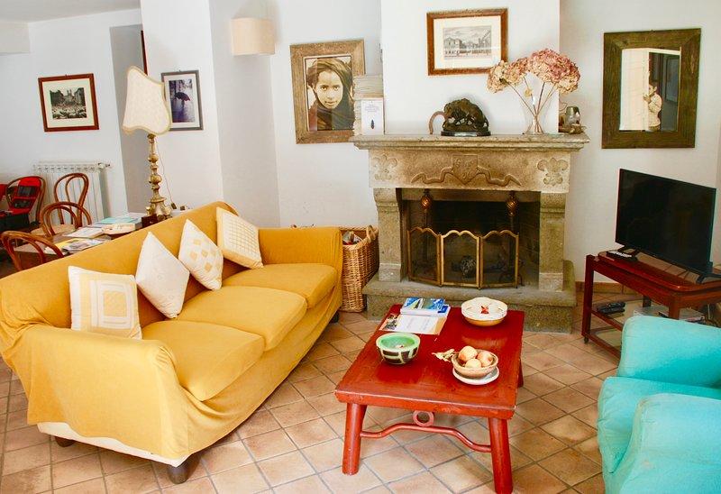 Big house with garden & terrace, vakantiewoning in Cura di Vetralla