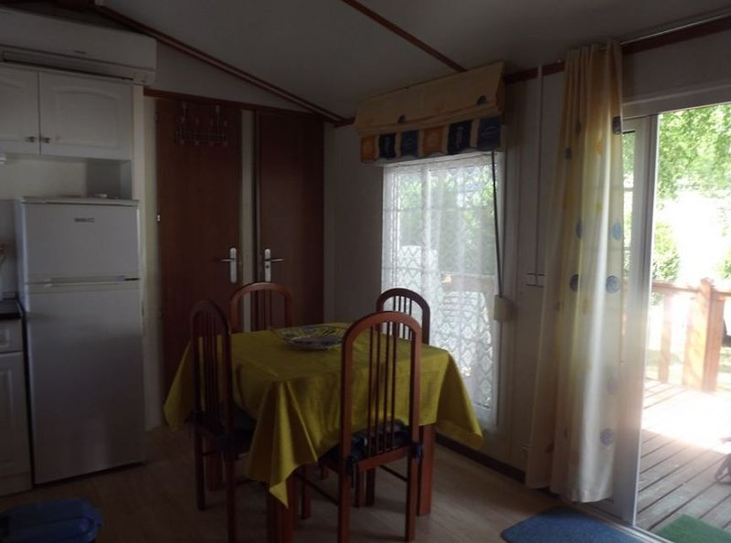 Nice property with terrace & Wifi, holiday rental in Viscos