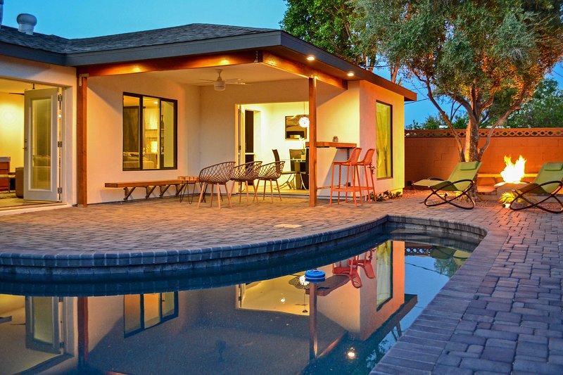 Experimente el lujo del sudoeste en esta impresionante casa de alquiler de 4 dormitorios y 3 baños en Scottsdale.