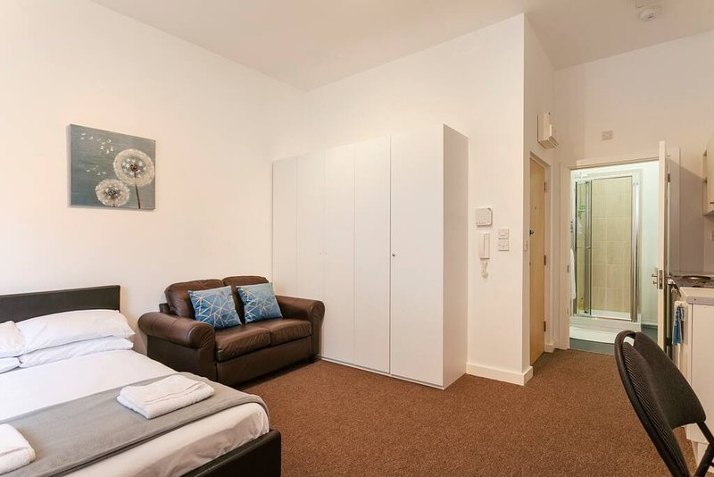 ⭐Giga Serviced Apartments⭐Liverpool⭐New Strand Station - Bootle⭐, location de vacances à Aintree