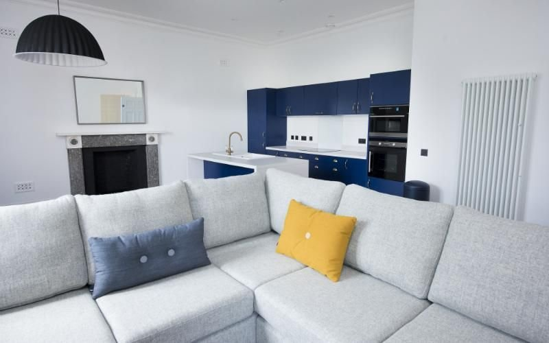 Deluxe 3-bedroom apartment within the beautiful surrounds of Lews Castle, holiday rental in Adabroc