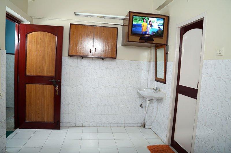 Dew Paradise Travels, vacation rental in Janakpuri